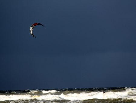Kitesurfing Międzywodzie 29.10.2016, słoneczny dzień na Bałtyku